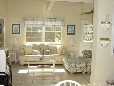 Dappled in sunlight - Key Largo Bayfront Home Getaway