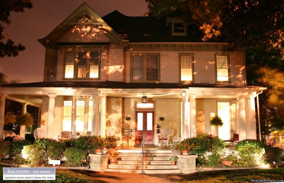 Magnolia House @night | Image #3/16 | A Jewel of Comfort & Hospitality - Magnolia House
