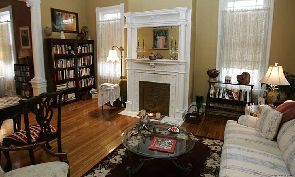 Library & Game Parlor | Image #7/16 | A Jewel of Comfort & Hospitality - Magnolia House