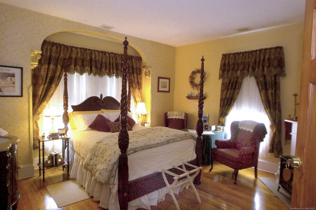 The Haven & Queen Room w/ Private Bath | Image #15/16 | A Jewel of Comfort & Hospitality - Magnolia House