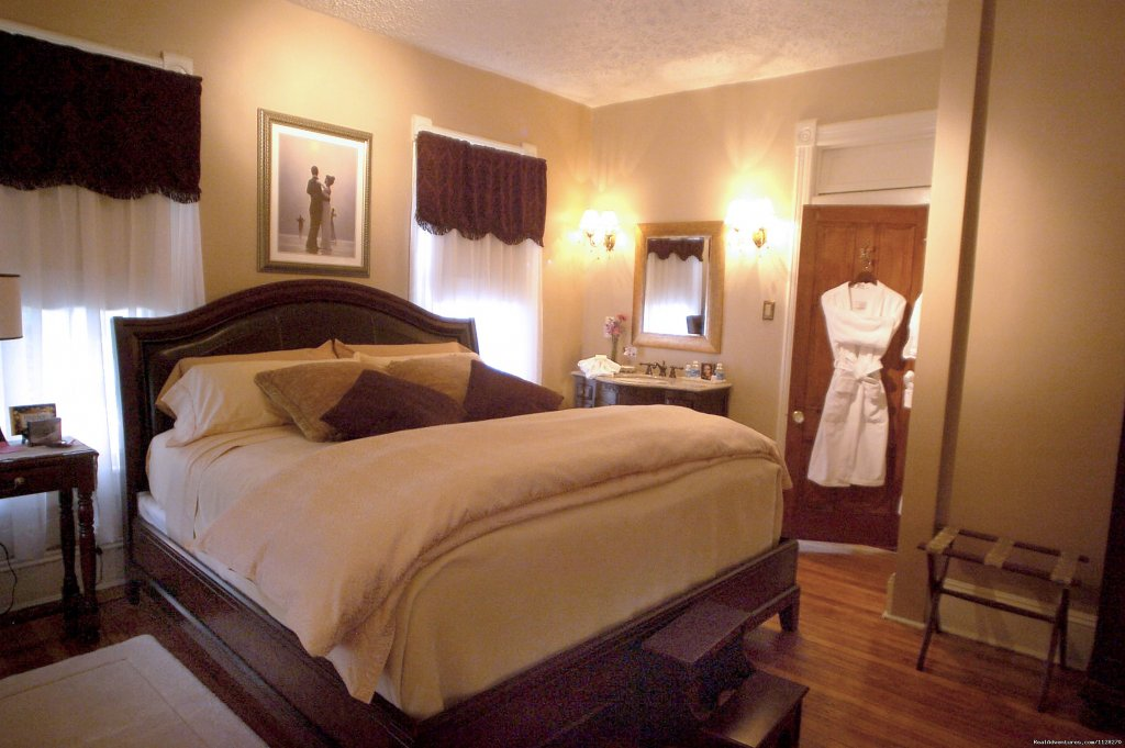Ellington Suite  King Bedroom | Image #4/16 | A Jewel of Comfort & Hospitality - Magnolia House