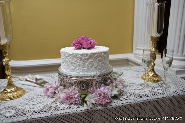 Wedding Cake  - A Jewel of Comfort & Hospitality - Magnolia House