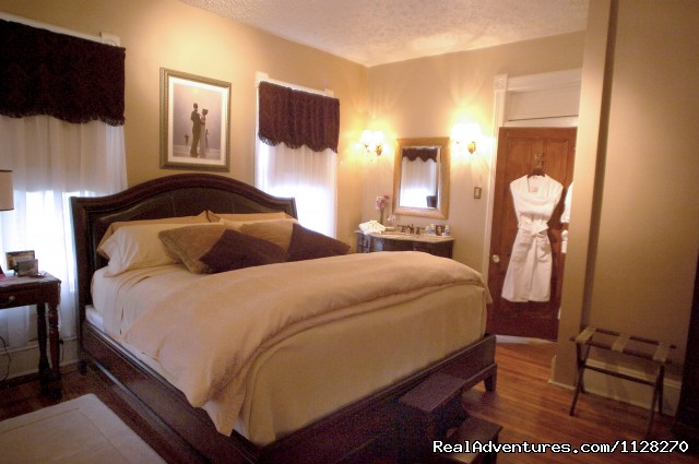 Ellington Suite  King Bedroom - A Jewel of Comfort & Hospitality - Magnolia House