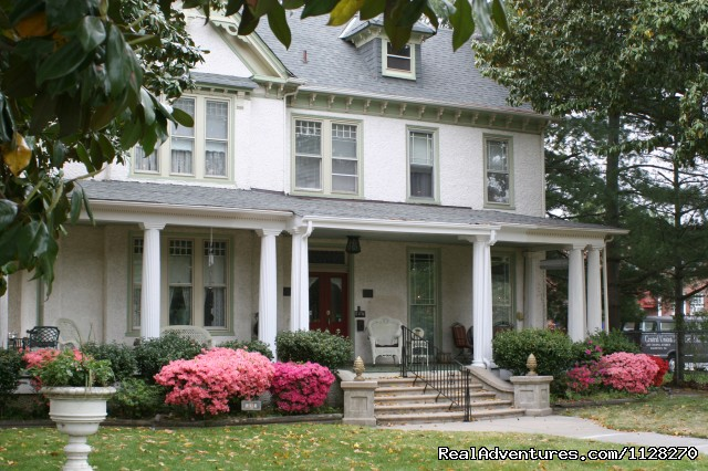 A Jewel of Comfort & Hospitality - Magnolia House: Magnolia House Inn - A Downtown Hampton Retreat