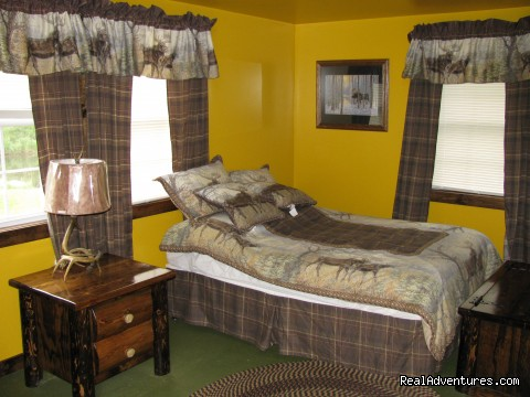 Guest Bedrooms - Deshka Wilderness Lodge