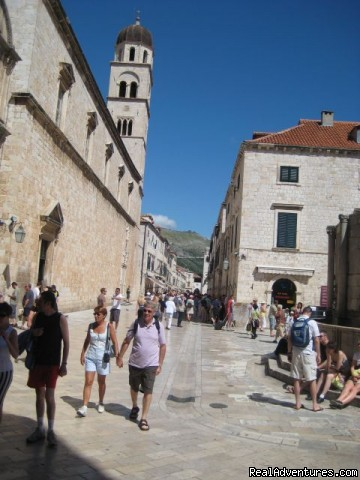 Promenade street Stradun from Pile Gate direction. - Dubrovnik-Historical City Center Apartments