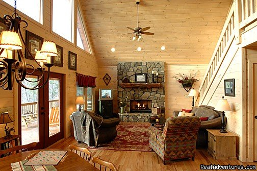 Surround yourself with the breathtaking view of the North Georgia Mountains in these Blue Ridge GA cabin rentals.    All of our cabins offer luxury decor with hot tubs and game rooms!