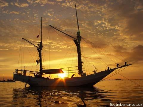Komodo Sailing Komodo Sailing