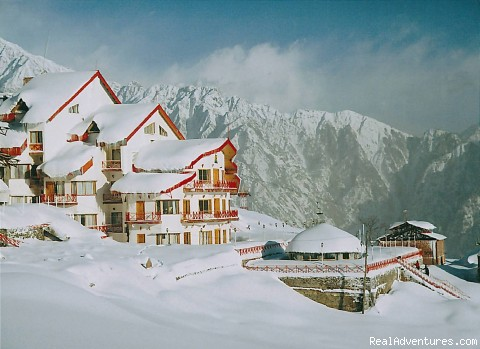 Just Another Day in Paradise!!! - Skiing at Worlds 2nd Highest Resort-CliffTop,Auli