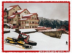 - Skiing at Worlds 2nd Highest Resort-CliffTop,Auli