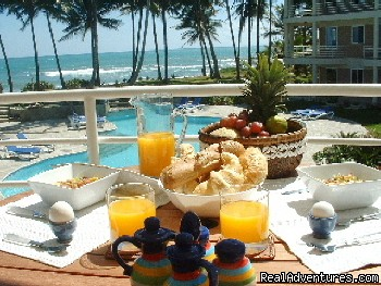 Breakfast on your balcony ! - Welcome to Paradise...Oceanfront Vacation Condos