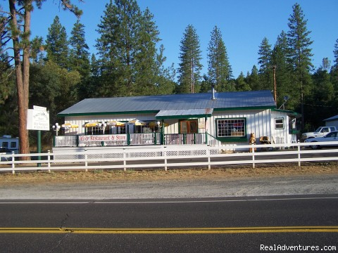 Restaurant & Store - Yosemite Ridge Resort, Cabin Rentals and RV Sites