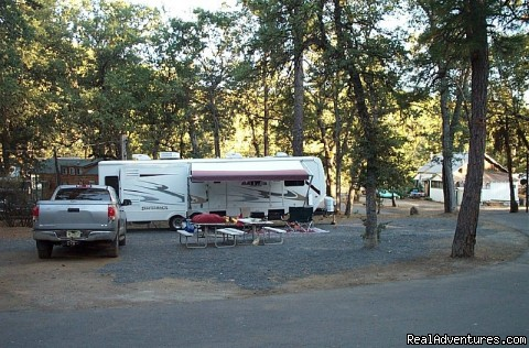 Full Hookup Pull Through Sites - Yosemite Ridge Resort, Cabin Rentals and RV Sites