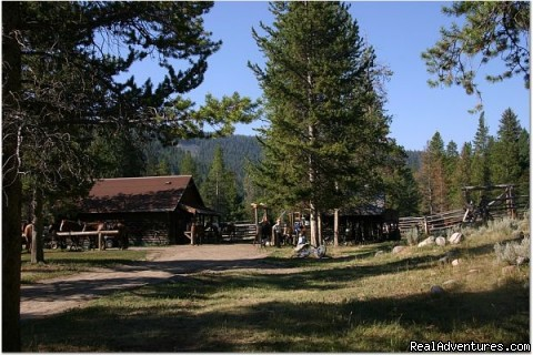 The Corrals - Small Authentic Old West Guest Ranch Experience