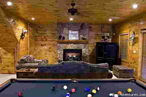 Lower Level Recreation room/Living room - Bella Vista Lodge- A Luxury Vacation Cabin