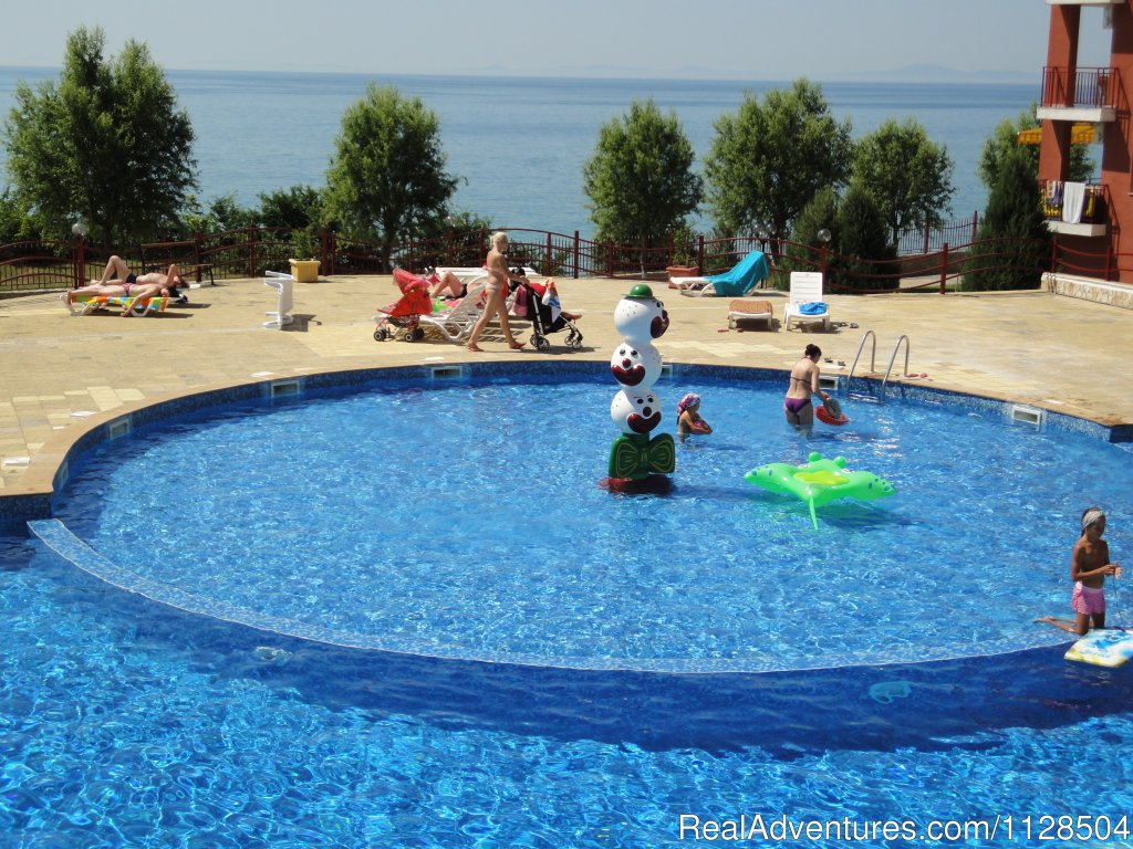 Pool | Image #2/20 | Your Perfect Family Vacation in Bulgaria