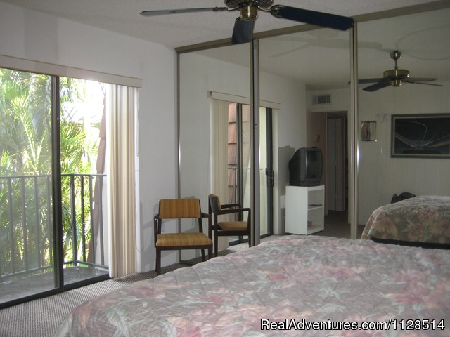 2nd, Bedroom With A Queen - 3 bedroom Townhouse , private courtyard, pool