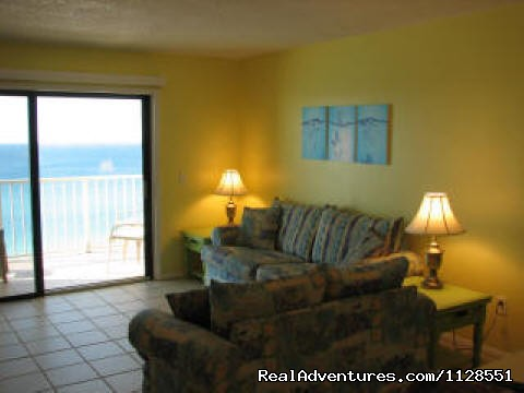 Living Room - Great Rates , Book Summer vacation now