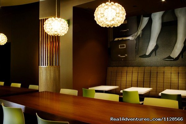 The Corner Office Restaurant + Martini Bar - the Curtis - a DoubleTree by Hilton