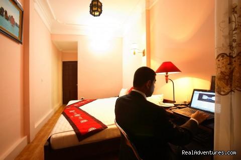 Deluxe room - Hanoi  Mikes Hotel