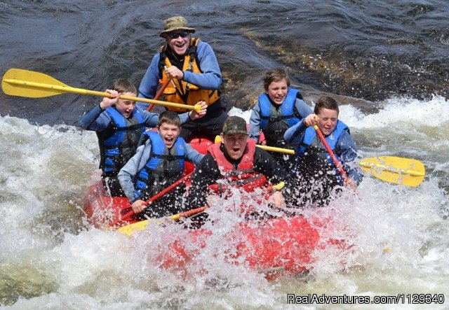 Boy Scout Troop Rafting on the Lehigh River | Image #7/26 | Lehigh River Whitewater Rafting in the Poconos PA