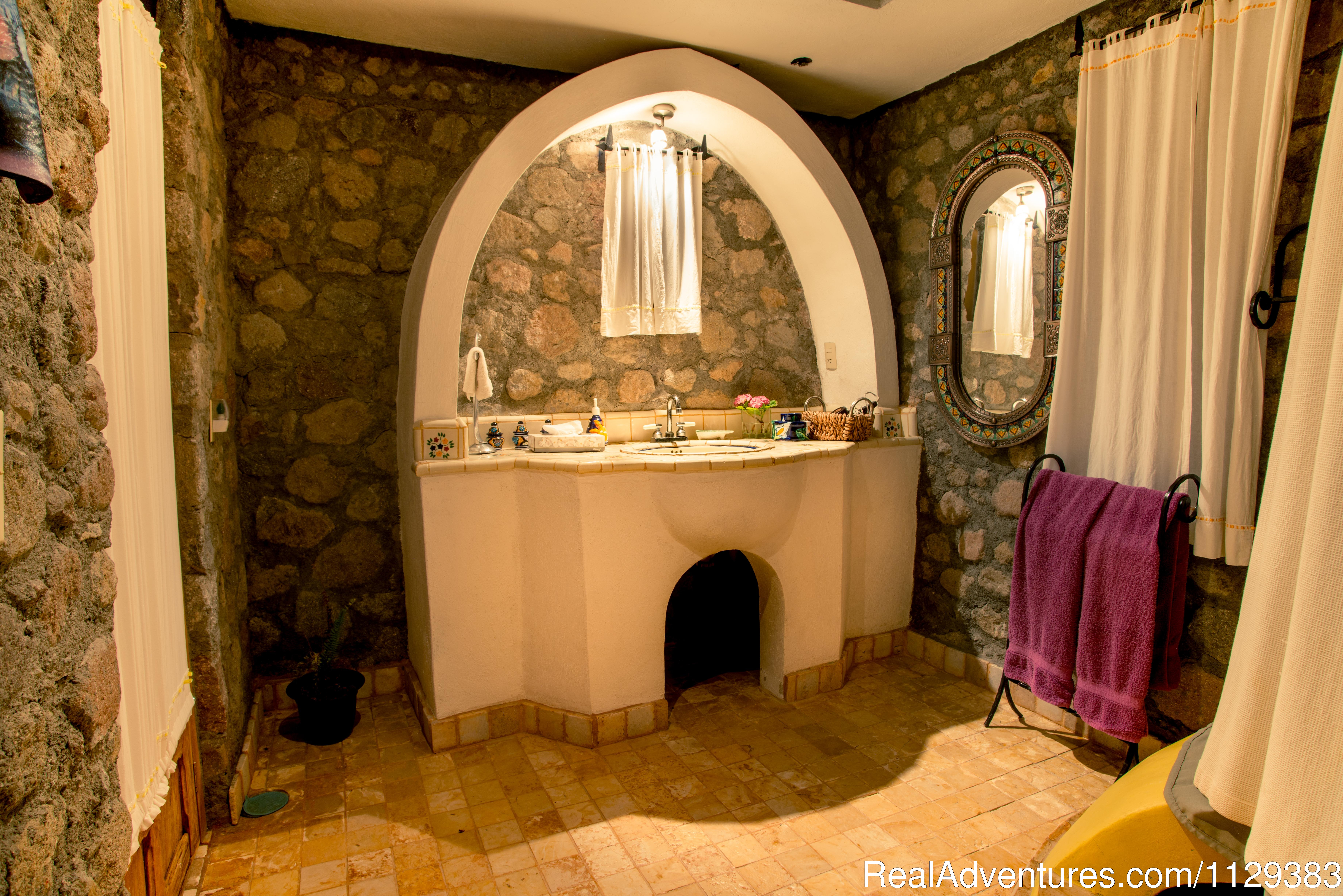 La Casita bath | Image #10/22 | Mexican Home Cooking School boutique accommodation