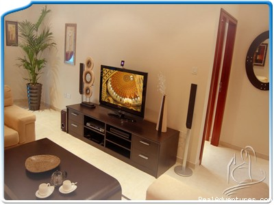 The LCD TV with wireless teather system - One bedroom apartment in Dubai Marina MH-2609