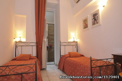 Double room (twin beds) - Obelus B&B near the Colosseum in Rome