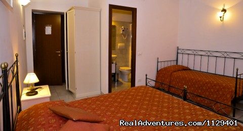 Triple room - Obelus B&B near the Colosseum in Rome