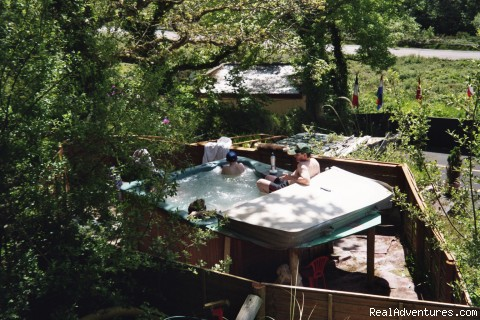 Outdoor Hot Tub - Joyces Waterloo House- Clifden Self-Catering