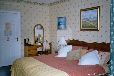 Front King Bedroom - Joyces Waterloo House- Clifden Self-Catering