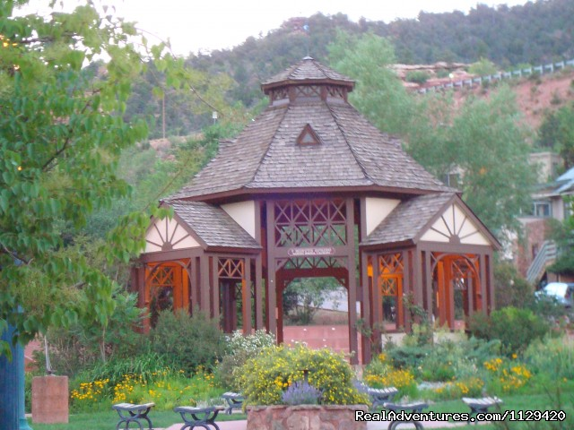 Pikes peak cabin by garden of the gods manitou springs for Cabins for rent near vail colorado