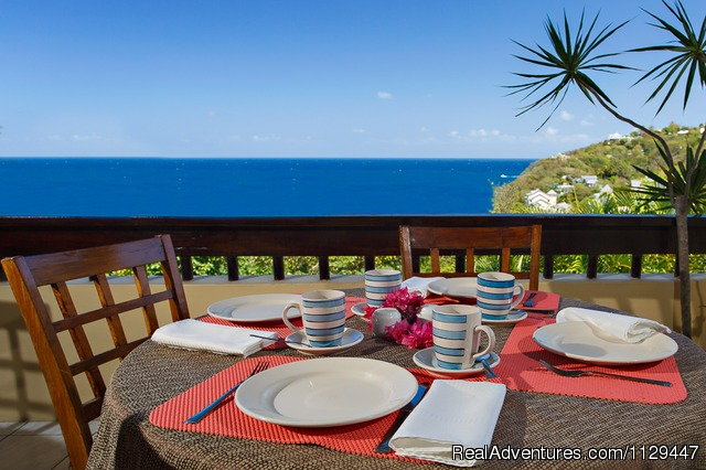 Breakfast on balcony - Villa Capri for retreats, wedding, birthday, group