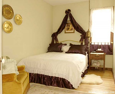 - Relaxing Weekend Getaway At whispering Pines B & B