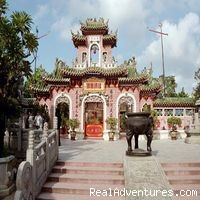 Discover Mekong: Classic Images of Today's Vietnam Phuc Kien Pagoda, Hoi An