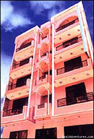 Delhi Budget Hotel Front View