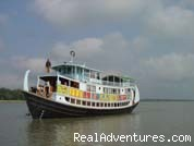 - Adventure cruiseboat trip to mysterious SUNDARBANS