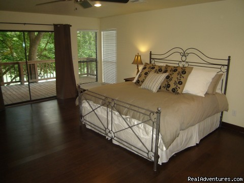 Villa on the 4th - A1Vacation New Braunfels, Luxury Homes in Texas