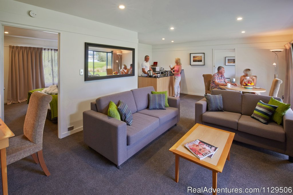 One Bedroom Suite/Adjoins Two Bedroom Apartment | Image #4/6 | Edgewater -Lake Wanaka
