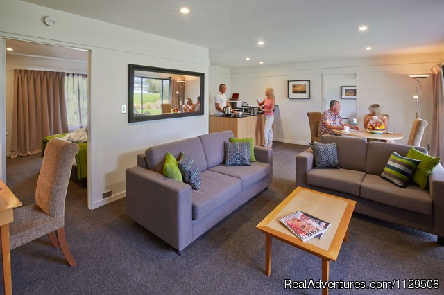 Edgewater -Lake Wanaka Suite Living Area