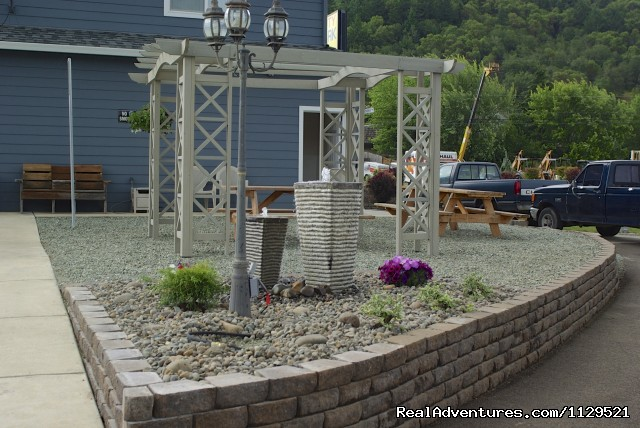 Fountain & gazebo - Tri City RV Park