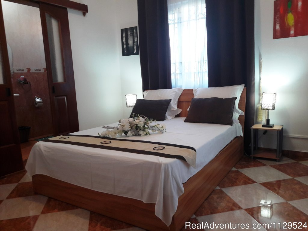 GreenWald Honeymoon Suite with private balcony | Image #6/26 | 'Pallagino' Beachside B&B, Foods, Cooking Class