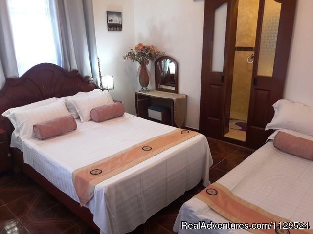 Purple Hart Junior Suite with private balcony - 'Pallagino' Beachside B&B, Foods, Cooking Class