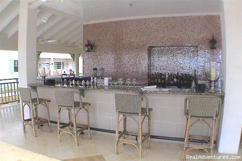 Aqua ista Lobby Bar - Bay Gardens Beach Resort & Spa - Family Fun