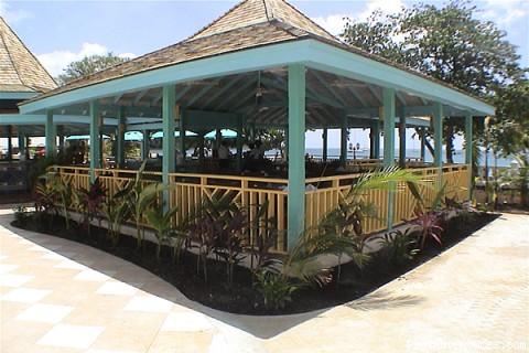 Hi Tide Entertainment Area (#7 of 15) - Bay Gardens Beach Resort & Spa - Family Fun