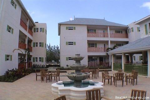 Aqua Vista Lounge  (#8 of 15) - Bay Gardens Beach Resort & Spa - Family Fun