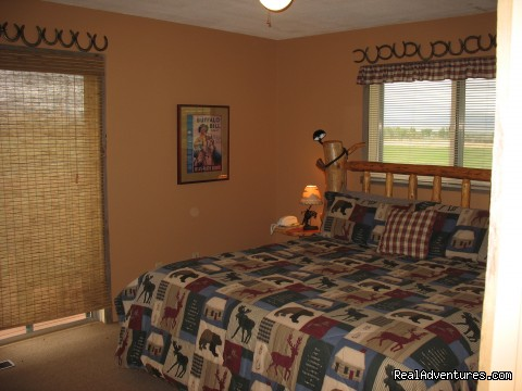 Master Bedroom in Kamloops with ensuite bath - Riverfront Cabins on a Private 1400 acre ranch