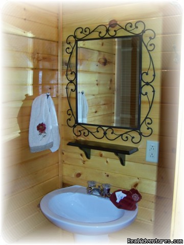 Country Charm bathroom | Image #5/23 | K & R Serenity Log Cabins
