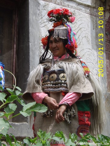 Dropa Women - Explore Rich Buddhist Culture of Ladakh Himalaya