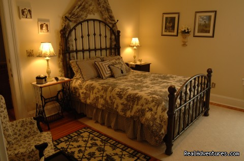 Clement Room - Romantic Getaway at 1840 Inn on the Main B & B